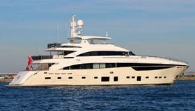 Фото яхты X5 верфи Princess Yachts