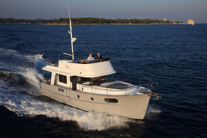 Фото моторной яхты Beneteau Swift Trawler 44